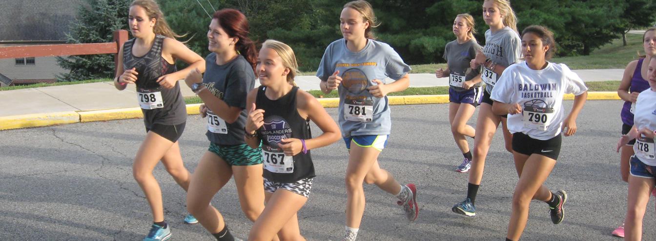 Girls racing