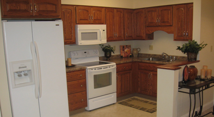 Fully Equiped Kitchen With Great Storage Space